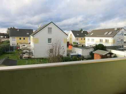 *** Frisch Renovierte 2-Zimmer-Wohnung mit Balkon (Klinikumnähe) ***