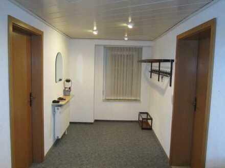 Büro oder Laden im Hochparterre