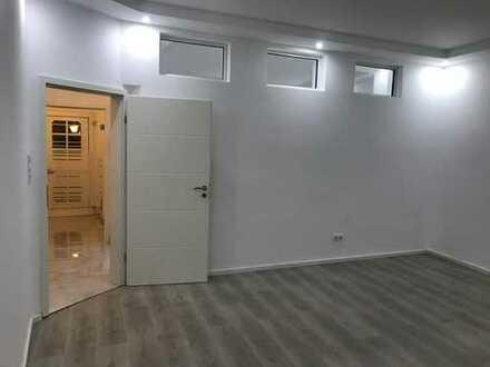 Schöne, geräumige fünf Zimmer Wohnung in Neustadt an der Weinstraße, Kernstadt