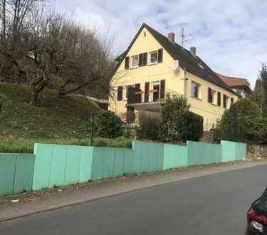 RESERVIERT -  Schönes Einfamilienhaus mit Garten zu vermieten