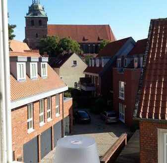 1-Zimmer-Dachgeschosswohnung mit EBK in Lüneburger Altstadt