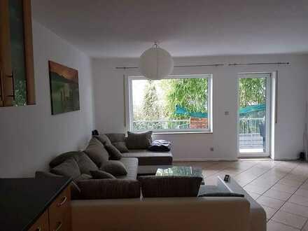 Ruhige Single Wohnung mit Balkon und eigenem Stellplatz