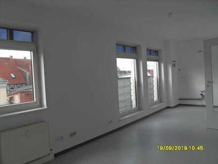 Dreizimmer-Wohnung mit Aufzug, offener Küchenbereich