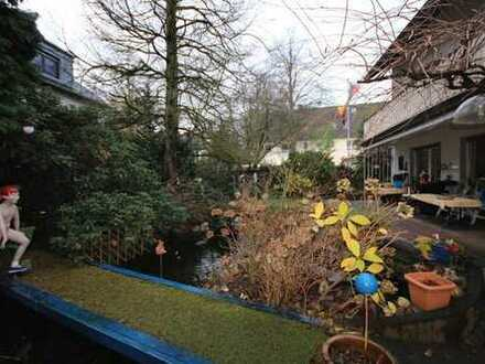 ... wie in einem Einfamilienhaus-Bungalow mit Terrasse und Garten ... und Garage