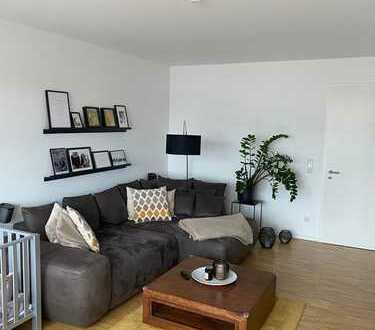 Exclusive 4-Zimmer-Wohnung mit Südbalkon, Einbauküche und Tiefgarage in Sinzing