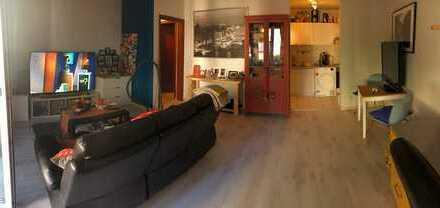 Schöne 2-Zimmer-EG-Wohnung mit EBK und Balkon in Lohbrügge, Hamburg