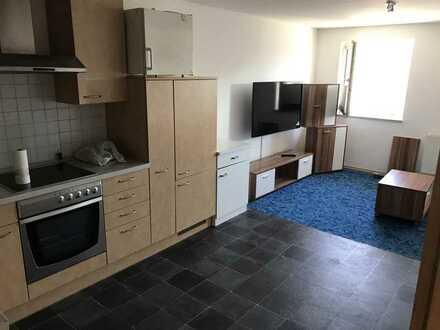 Einfache, altersentsprechende 2-Zimmer-Wohnung mit Balkon und Einbauküche in Memmingen