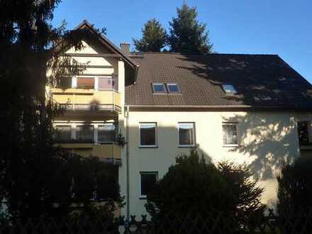 Dachgeschosswohnung in toller Lage im Grünen für Zwei oder Drei