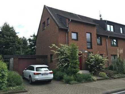 Schönes Haus in grüner und ruhiger Lage in Oberhausen, Schwarze Heide