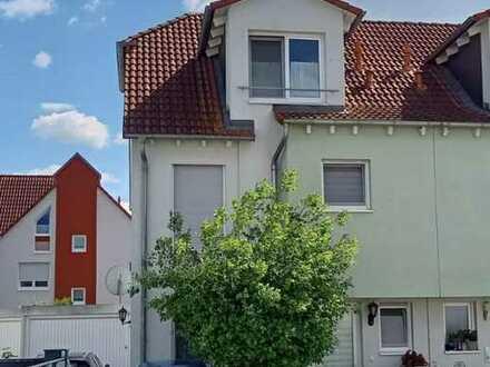 Schöne und gepflegte Doppelhaushälfte zur Miete in Rodgau