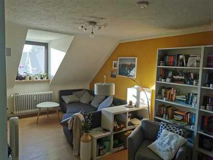 Freundliche 3-Zimmer-DG-Wohnung mit EBK in Karlsruhe