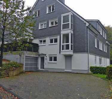 3 Zimmer-Komfort-Mietwohnung mit Balkon in Wuppertal-Barmen / Barmer Anlagen