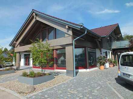 Elegante Büro- und Ausstellungsräume im EG eines Wohn- und Geschäftshauses