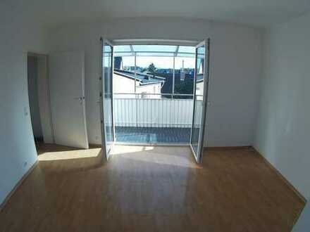 Schöne renovierte 2-ZKB Wohnung mit Balkon und Einbauküche in ruhiger Lage von Viernheim