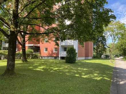 Sehr schön geschnittene 3 ZKB-Wohnung mit Stellplatz