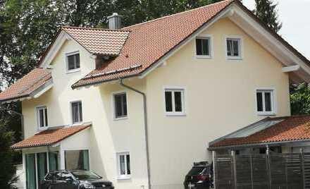 Stilvolle, neuwertige 4-Zimmer-Maisonette-Wohnung mit 2 Balkonen