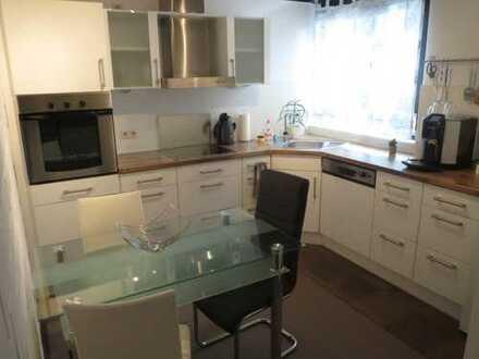 Möbliertes Apartment mit Wohnküche, Terrasse u. Garten, nur für Wochenendheimfahrer, in Offenbach
