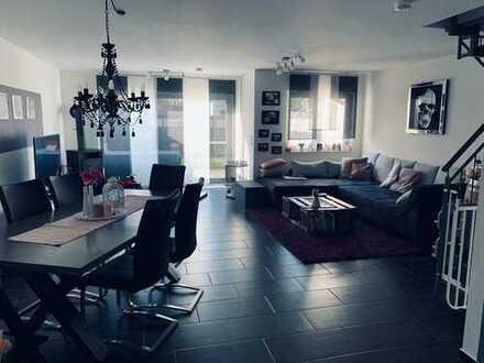 Luxuriöse Eigentumswohnung - Maisonette, eigener Garten und Kamin