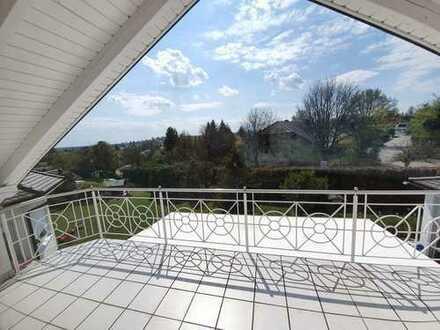 Elegante Dachgeschosswohnung nähe Uniklinik mit Ausblick ins Grüne