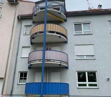 moderne vermietete 3-Zimmer-DG-ETW mit Balkon in einem kleinen Stadthaus in Plauen (zentrumsnah)