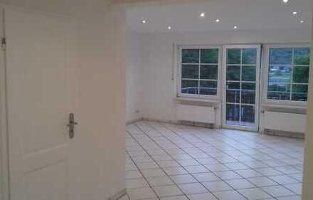 Schöne 2,5-Zimmer-Wohnung mit EBK und Balkon in Sankt Goar-Fellen