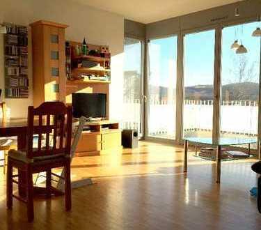 Attraktive 4-Zimmer-Wohnung mit Balkon und kleinem Gartenstück in Tübingen