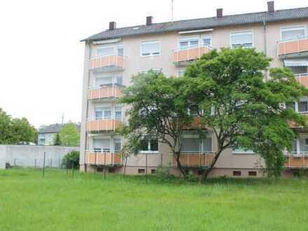 Schöne 3-Zimmerwohnung mit Balkon in sehr zentraler Lage