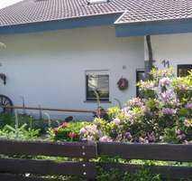 Vollständig renovierte 2-Zimmer-DG-Wohnung mit Balkon und Einbauküche in Titisee-Neustadt