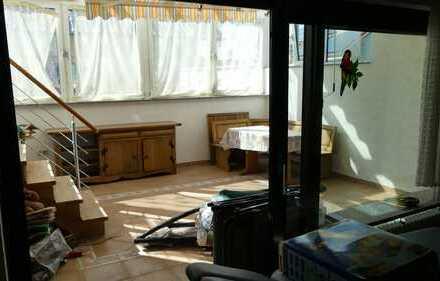 4ZKB-Wohnung im EG mit Stellplatz in einem Zweifamilienhaus