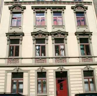 TOP Wohnung als 3er - 4er Studenten-WG mit Einbauküche, Garten und neuem Bad in zentraler Lage