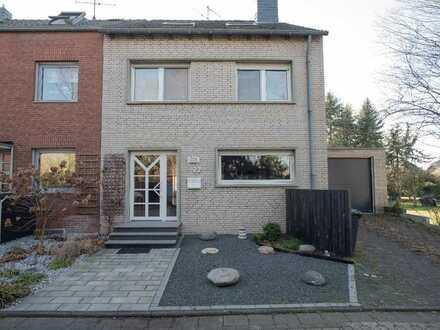 Reihenendhaus mit Garage, schönem Garten und überdachter Terrasse!