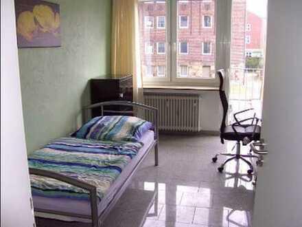 Möbliertes Zimmer für Studenten in WG ähnlicher Gemeinschaft