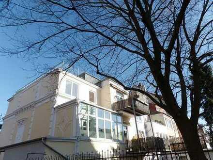 Wohnen mit Ausblick - Charmante Maisonette-Wohnung mit Dachterrasse im Fesenfeld