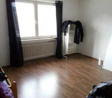 Erstbezug nach Komplettsanierung: ansprechende 2-Zimmer-Wohnung mit Balkon in Nippes, Köln