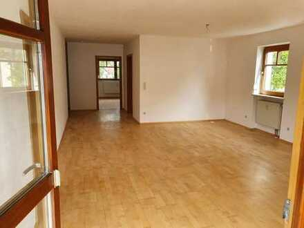 950 €, 98 m², 4 Zimmer