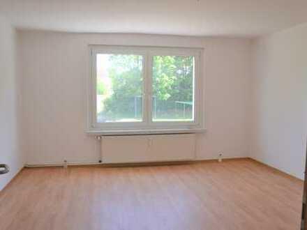 3-Raum-Wohnung im 1. OG, Spüle und E-Herd sofern gewünscht