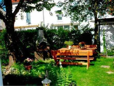 DHH in grüner und ruhiger Lage | Stellplatz | Carport | EBK | kleiner Garten...
