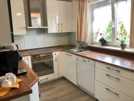 102qm mit sonniger Terrasse und Einbauküche 3,5-Zimmer-EG-Wohnung VOLLMÖBLIERT