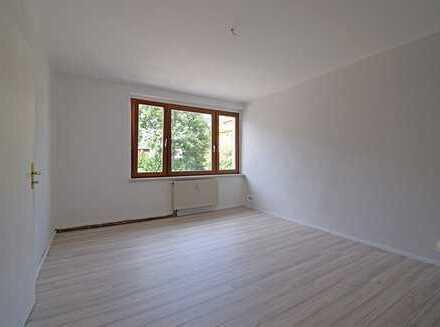***Volltreffer - geräumige 2-Raum-Wohnung in Thalheim***