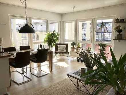 Zentrale und ruhige 2 Zimmer Wohnung in sonniger Süd-West-Lage!