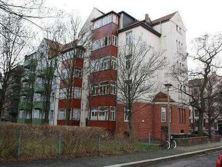 zentral gelegen, renoviert, Laminat, Wintergarten