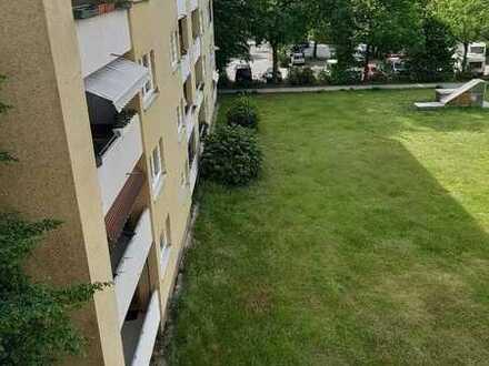 Schöne familienfreundliche 3-Zimmer-Wohnung mit Loggia in Nürnberg Langwasser zu vermieten