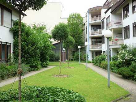 Zwei großzügige provisionsfreie Stadt-Wohnungen mit Blick in's Grüne