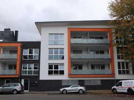 Erstbezug: Helle, moderne und gut geschnittene 3-Zimmer-Wohnung mit Balkon (seniorengerecht!!)