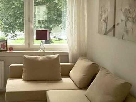 Attraktives Apartment mit Blick auf die schöne Neckarwiese, möbliert