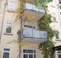 Schöne 3-ZKB-Dachgeschoss-Wohnung, mit Balkon ins Grüne, Hauswirtschaftsraum und Gäste-WC