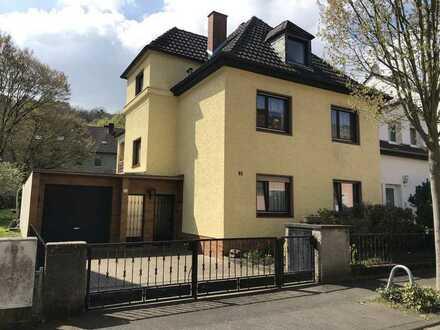 2 -Familienhaus, ideal für Mehrgenerationen-Wohnen mit schönem Garten