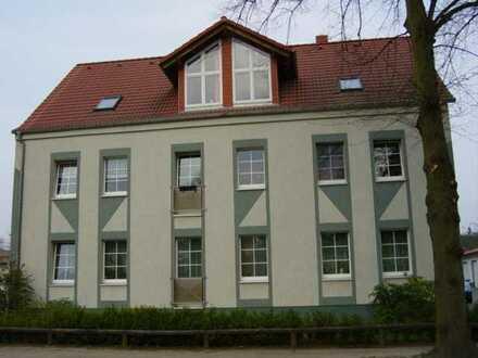 Modernisierte Dachterrassen-Wohnung mit zwei Zimmern See und Waldblick.sowie