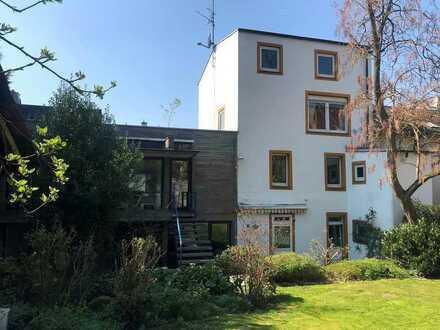 Außergewöhnliches Stadthaus mit Historie und Potential!
