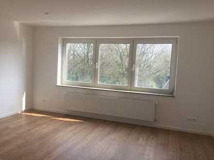Frisch modernisierte 2-Zimmer-Wohnung mit Balkon in Bottrop
